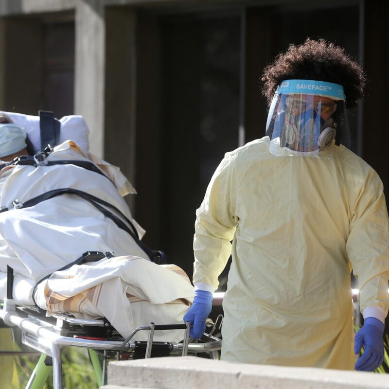 In Ontario 216 new infected and 6 more deaths